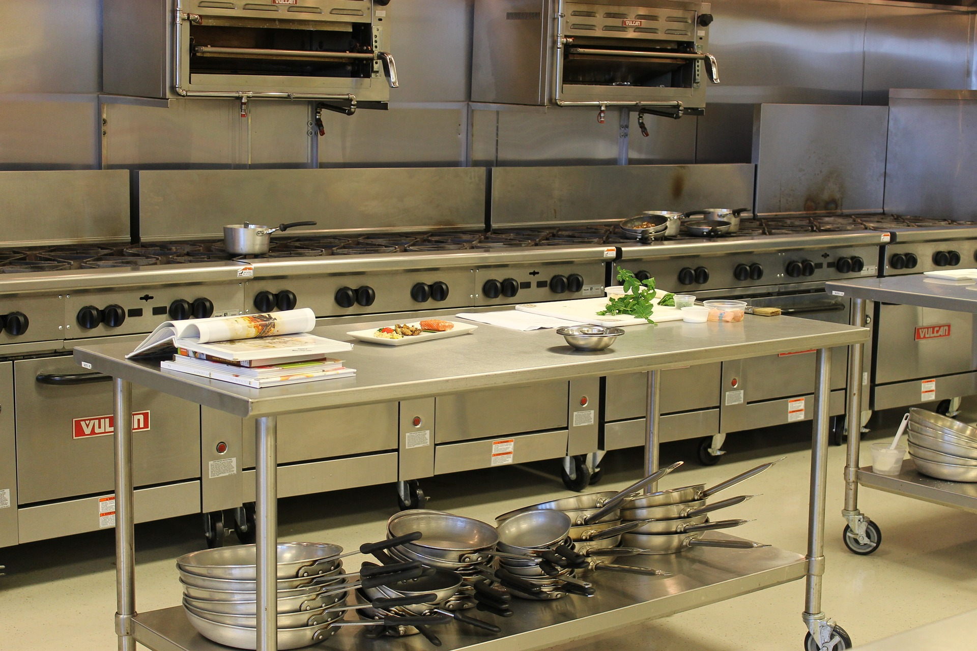 How Often to Deep-Clean a Commercial Kitchen